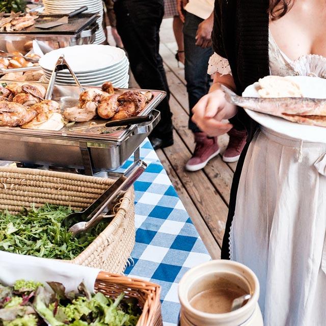 Gebirgsschützenhütte Buffet Outdoor – Frühauf Genuss